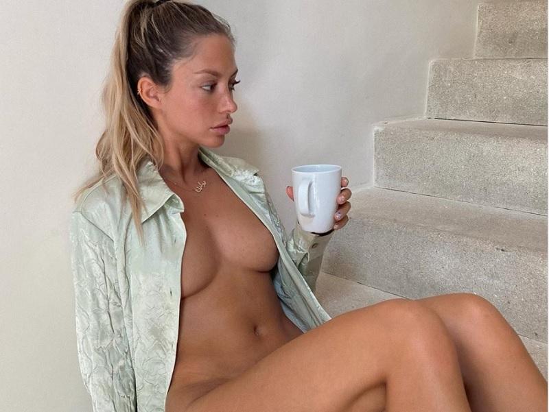 Οι γυμνές πόζες της Pauline Tantot που «ρίχνουν» το Instagram