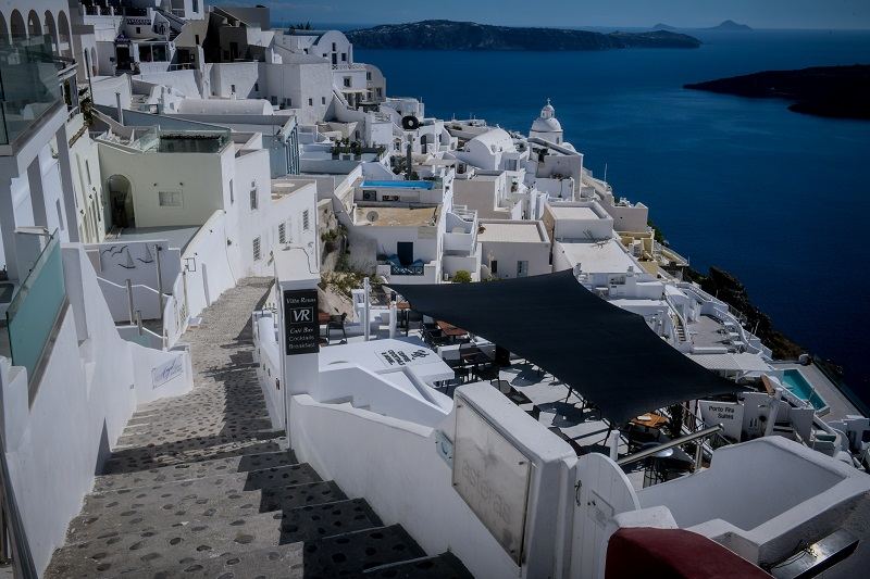 Το ZDF στη Σαντορίνη για το άνοιγμα του ελληνικού τουρισμού