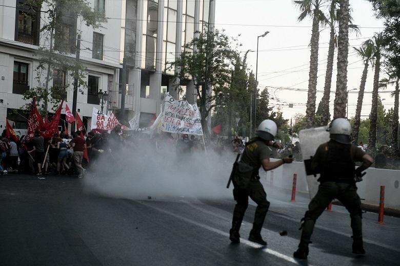 ΣΥΡΙΖΑ: Απαιτούμε από τον πρωθυπουργό να αποπέμψει τώρα τον Μ. Χρυσοχοΐδη