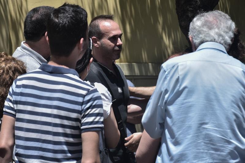 Ποινική δίωξη στον αστυνομικό που καταγγελλεται ότι εμπόδισε σύλληψη διαδηλωτή