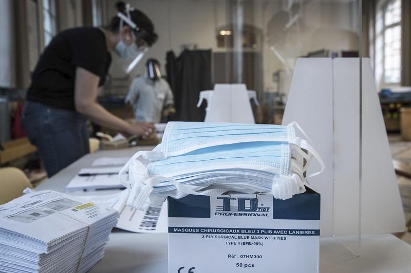 Κοροναϊός: Υποχρεωτική θα καταστεί η μάσκα σε κλειστούς χώρους στη Γαλλία
