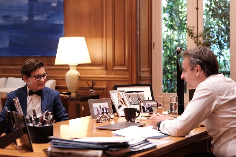 Συνάντηση του πρωθυπουργού με τον 13χρονο Δημοσθένη Δεσποτίδη