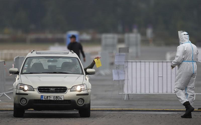 Κοροναϊός: Σε κατάσταση έκτακτης ανάγκης η Τσεχία από τη Δευτέρα