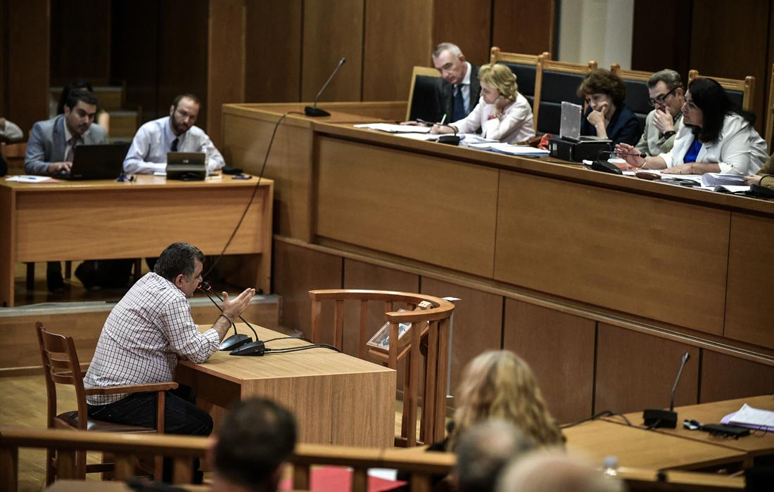 Δίκη Χρυσής Αυγής: Στον «πάγο» οι αναστολές των καταδικασθέντων