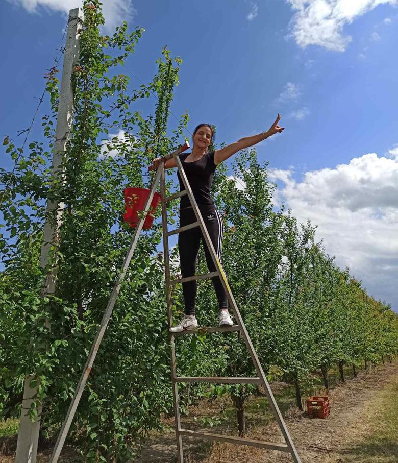 Η νεαρή αγρότισσα με… πτυχίο πληροφορικής – Το βίντεο βουβού κινηματογράφου για την πρωτότυπη γνωριμία με τον άντρα της