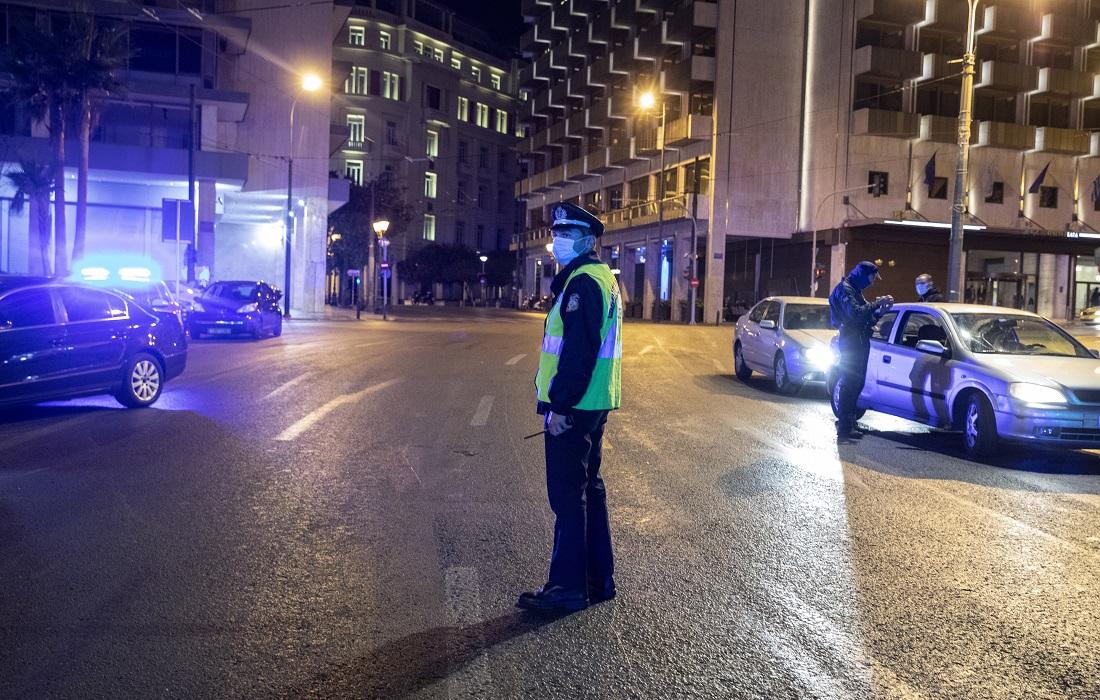 Κοροναϊός: Τα τελευταία μέτρα που εξετάζει η κυβέρνηση πριν οδηγηθούμε σε γενικό lockdown