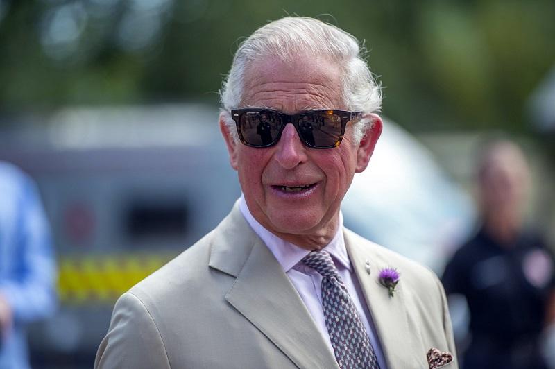 Ο πρίγκιπας Κάρολος παρουσιάζει βιώσιμη συλλογή… μόδας