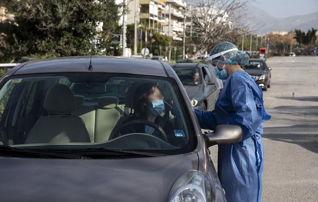 Πώς κατανέμονται τα 585 νέα κρούσματα- Πόσα καταγράφηκαν στην Αττική – News.gr
