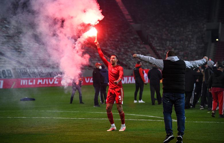 Εικόνες από τον θρίαμβο του Ολυμπιακού και οι πανηγυρισμοί για το «46» – News.gr