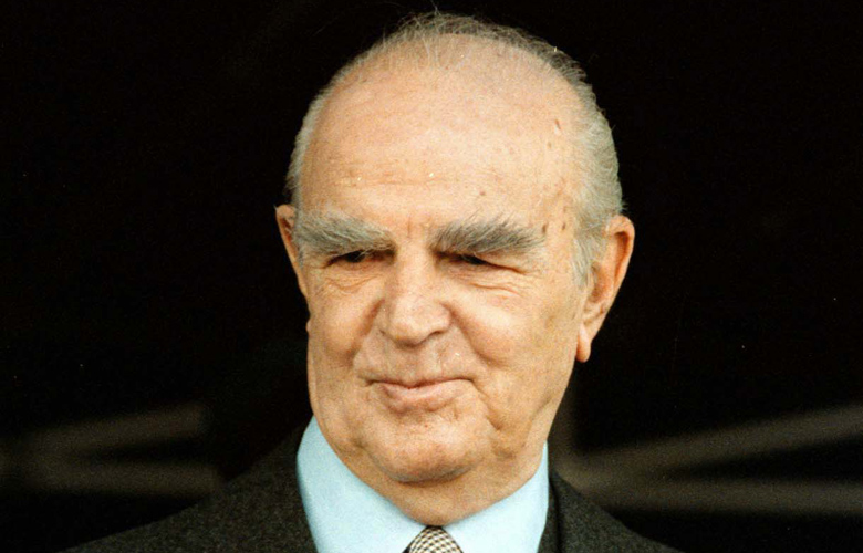 Ένταξη στην ΕΟΚ: 42 χρόνια πριν – Όταν δάκρυσε ο Κωνσταντίνος Καραμανλής –  News.gr