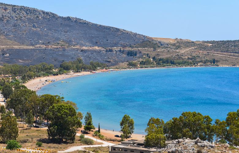 Μια… ανάσα από την Αθήνα 3 εντυπωσιακές παραλίες της Πελοποννήσου – News.gr