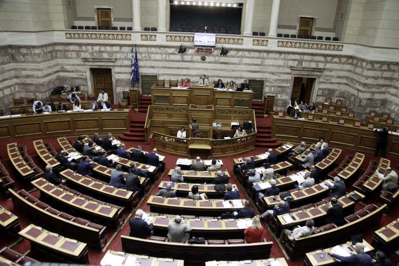 Βουλή – προαπαιτούμενα: Θύελλα αντιδράσεων από την αντιπολίτευση