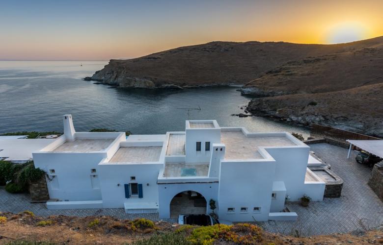 Αδιανόητο: Η ελληνική βίλα που νοικιάζεται για 20.000 ευρώ τη βδομάδα!