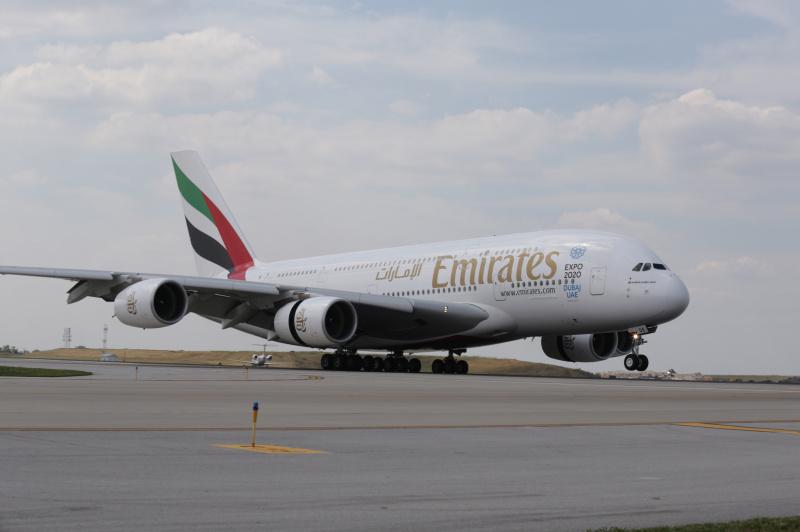 Χιλιάδες απολύσεις σε Emirates και United Airlines