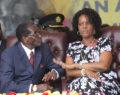 Επίσημη καρατόμηση του Μουγκάμπε αλλά και της αδίστακτης Πρώτης Κυρίας του