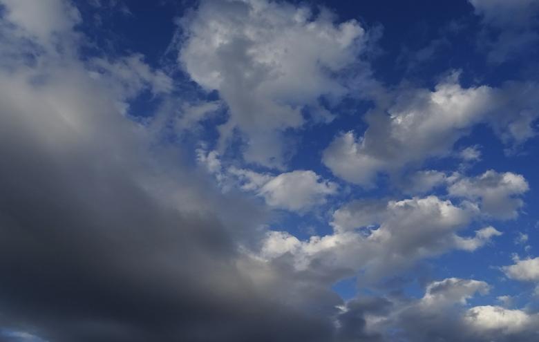 Καιρός: Ακραία καιρικά φαινόμενα με χαλάζι και ισχυρούς ανέμους στη Β. Ελλάδα