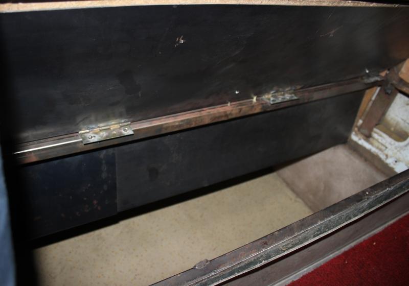krypti Διακινητές έκρυψαν μετανάστες κάτω από τα καθίσματα mini-bus