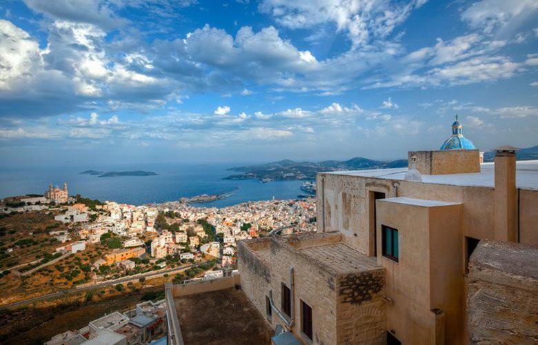 Σύρος: Η καλύτερη λύση για διακοπές!