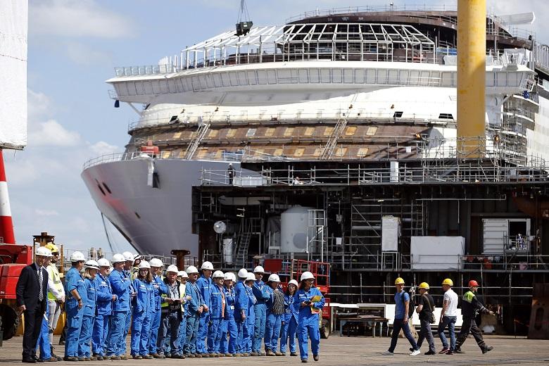 Meraviglia: Το κρουαζιερόπλοιο της χλιδής με σκάλες από Swarovski!