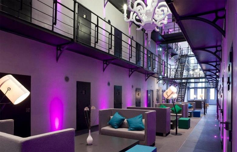 Δείτε πως παλιές φυλακές μεταμορφώθηκαν σε υπερπολυτελή ξενοδοχεία