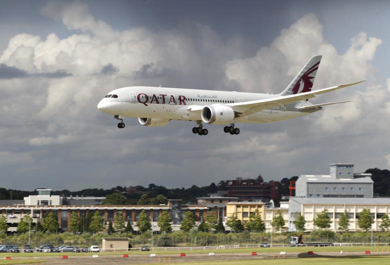 Κοροναϊός: Τι υποστηρίζει η Qatar Airways για τα 12 κρούσματα σε πτήση της