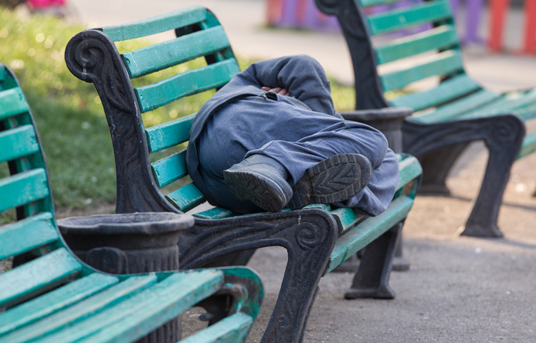 Κατοικίες και εργασία για άστεγους αναζητά ο δήμος Ηρακλείου