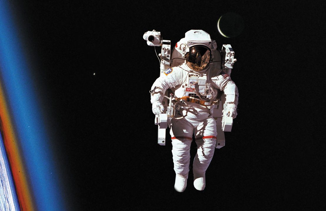 astronaut spacewalk for android - HD1024×768